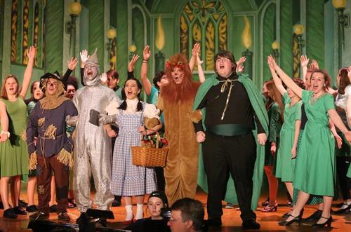 "Congratulations To The Cast And Crew Of ""Wizard Of Oz"" For A Phenomenal Performance!"