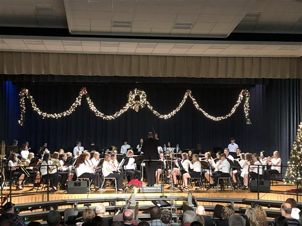 HOLIDAY CONCERT: The High School Concert Band and Concert Choir performed a magnificent concert on 12/8/19!