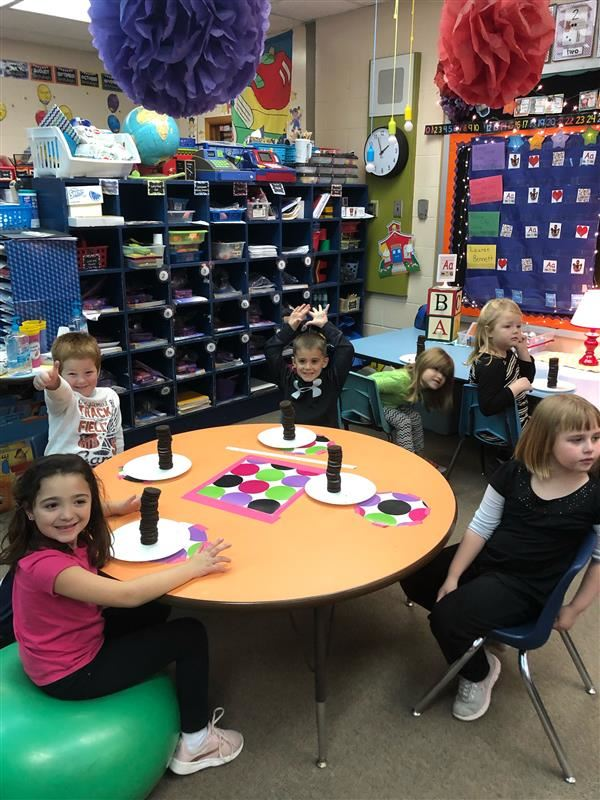 "Lenkerville Elementary Participates In School-wide ""Oreo Stacking Day"" STEM Project"